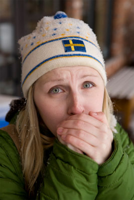 Eiseskälte - Frierende Frau mit MCS