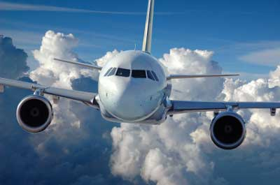 flugzeug-wolken