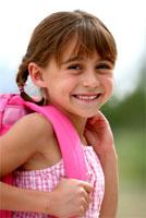 Schulkind, hübsches kleines Mädchen