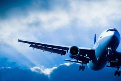 In den Urlaub mit dem Flugzeug - Pestizide fliegen oft mit