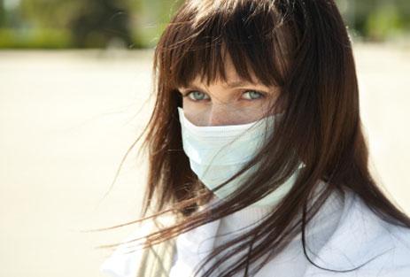 junge-Frau-mit Chemical Sensitivity / MCS