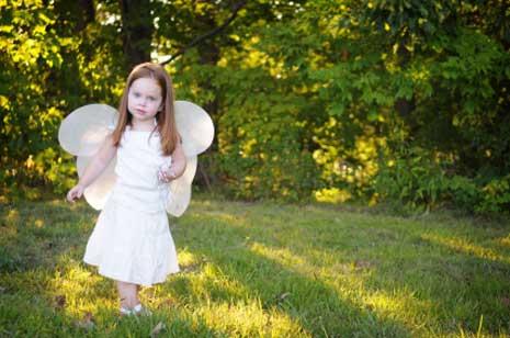 Alle kleinen Kinder sind Tausendschönchen und bedürfen unserem Schutz