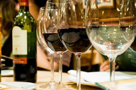 Weinkenner, Restaurantkritiker, Gourmets lehnen Parfum ab