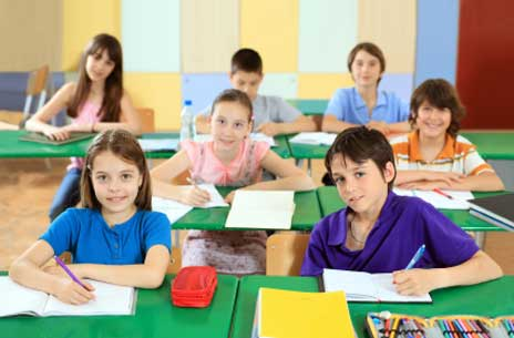 Schule hat angefangen, Schüler sind durch giftige Schulartikel oft Schadstoffen ausgesetzt
