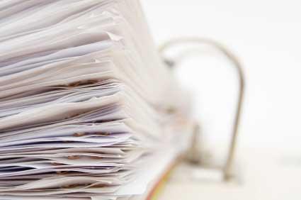 Aktenordner, bedrucktes Papier lösen Gesundheitsbeschwerden aus