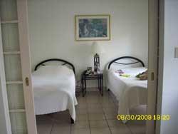 Schlafzimmer für Umweltkranke in einem Apartment